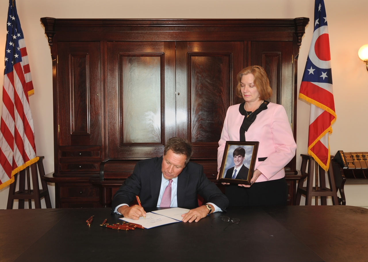 Rep. Anielski's Bill Creating Suicide Prevention Resources in Higher Education Signed by Governor